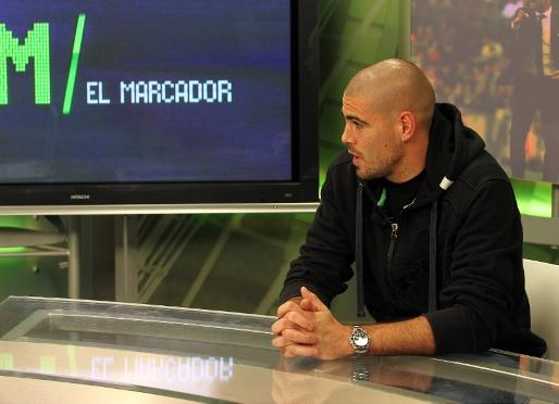 http://arxiu.fcbarcelona.cat/web/thumbnails/514_372/Imatges/2010-2011/Futbol/Noticies/jugadors/valdes/2011-04-23_PARTIDO_39.JPG